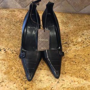 Gucci Black Leather Pumps